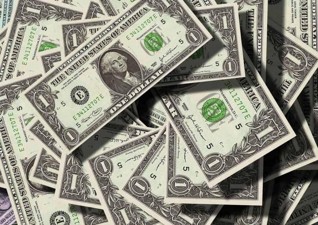 דולרים ומטבעות